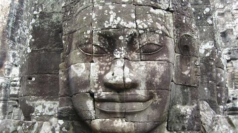 ve-dep-ky-quan-den-angkor-wat-5-mat-jayavarman-vii